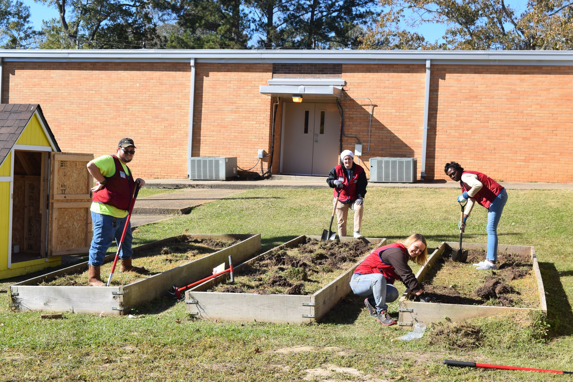 Lowe's does Hero's Project at Summit Elementary 2018