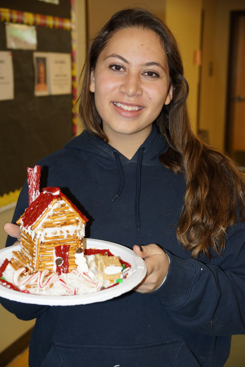 Schoolwide Gingerbread House Building Featured Photo