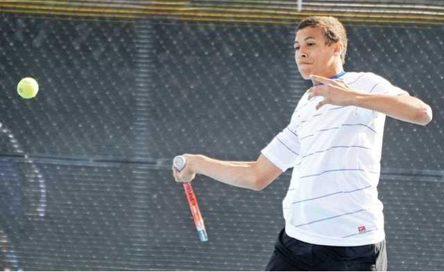 tennis varsity focused