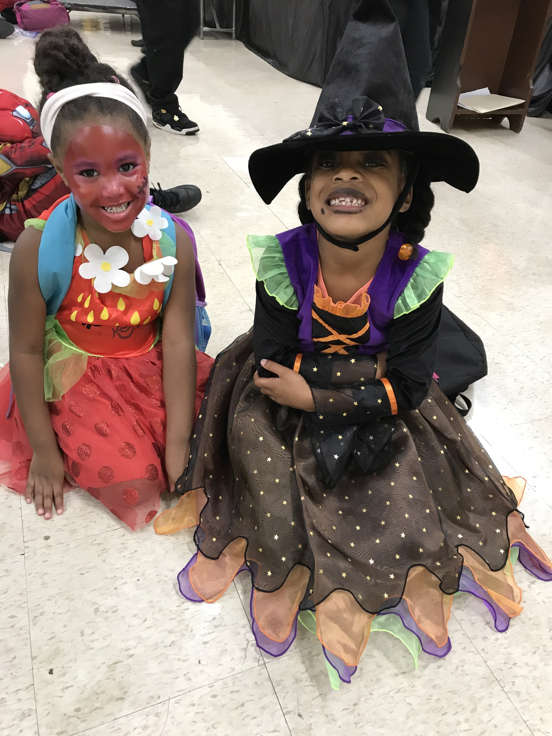 Photo of Park Ridge Elementary Students in their Halloween Costumes as part of Red Ribbon week activity