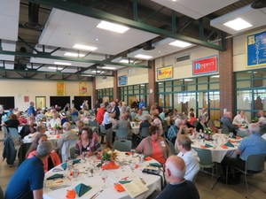About 170 people attended the alumni dinner.