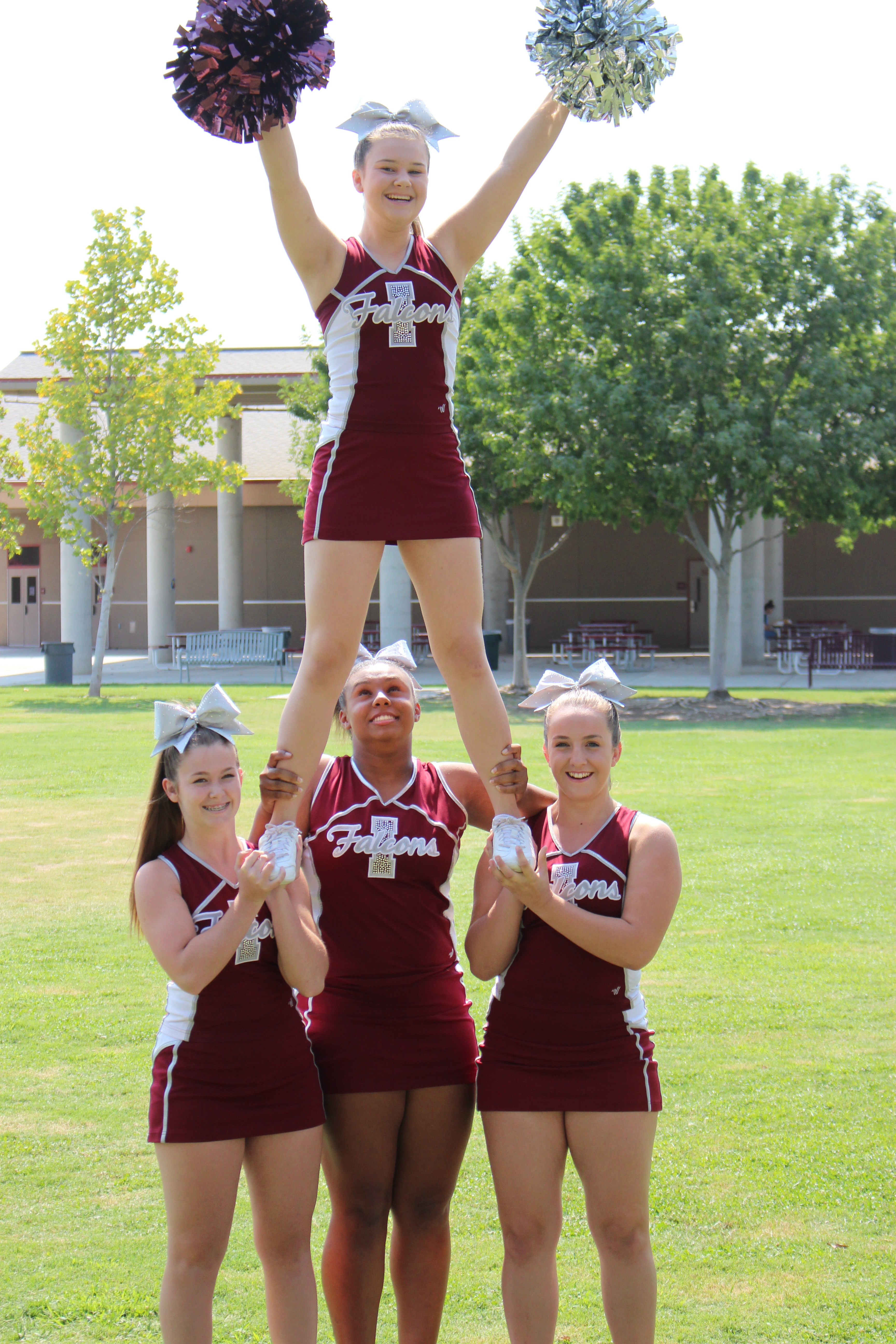 Sexy High School Cheerleader Pics