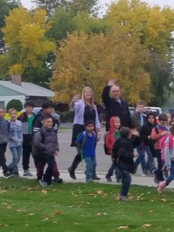 Mayor Nancolas walked with Lincoln Elementary Thumbnail Image