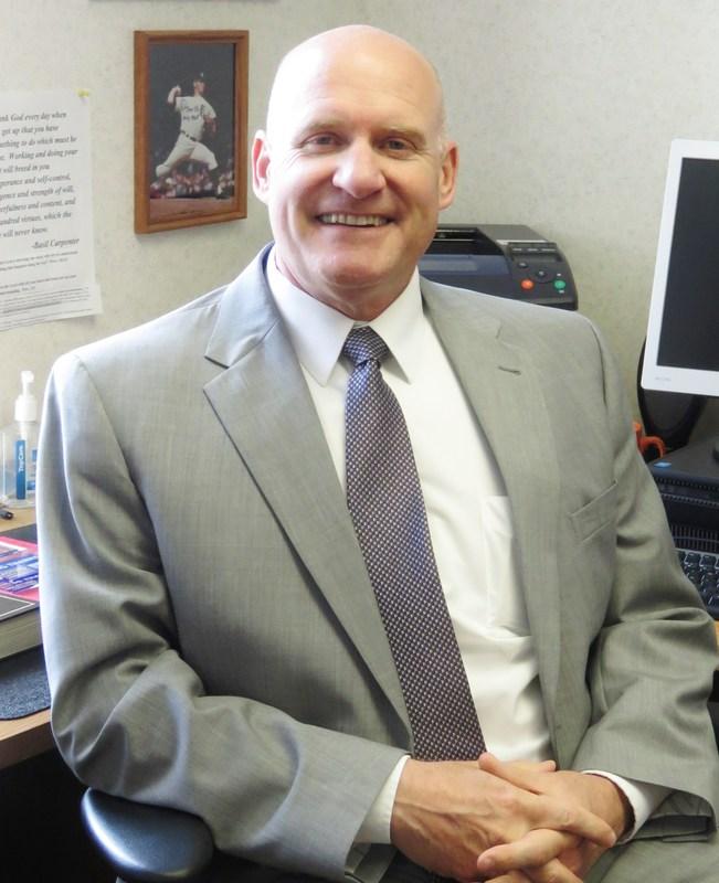 TK Superintendent Tom Enslen announces his retirement.