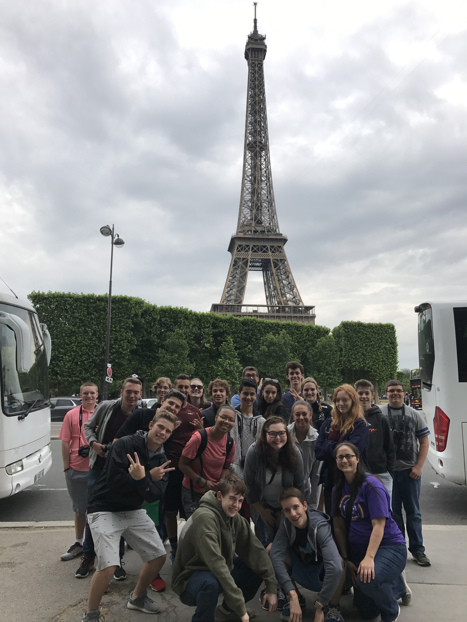 Group of students at the Eiffel Tower.