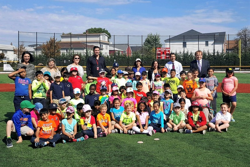 Clarendon School Second Graders Learn a Lesson in Character and Good Sportsmanship From Major League Pitcher Pat Light Thumbnail Image
