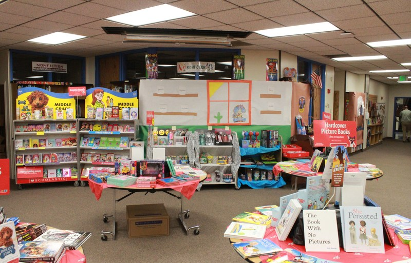 YEEHAW!!! Come on down to the Lincoln Elementary Book Fair! Thumbnail Image