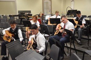 Intro to Guitar class pic