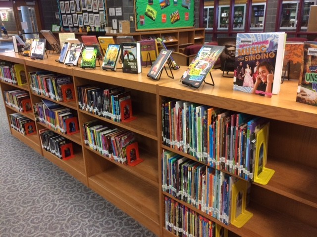 Mechanicsburg Middle School Library's Hi/Lo Books Section