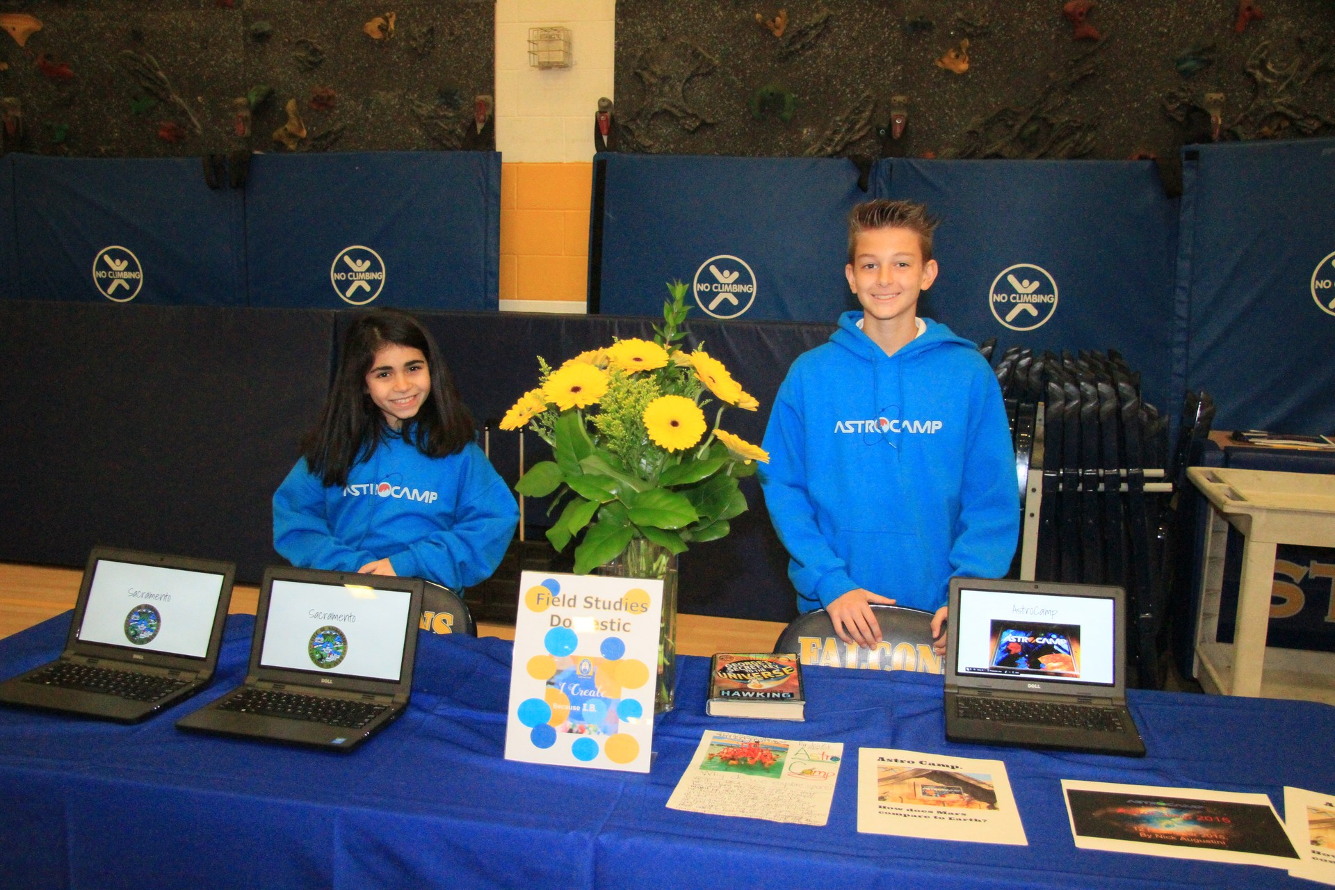 Table with 2 students at Admission Faire