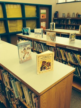 Picture of McCauliffe Heights Program at Irving School library.