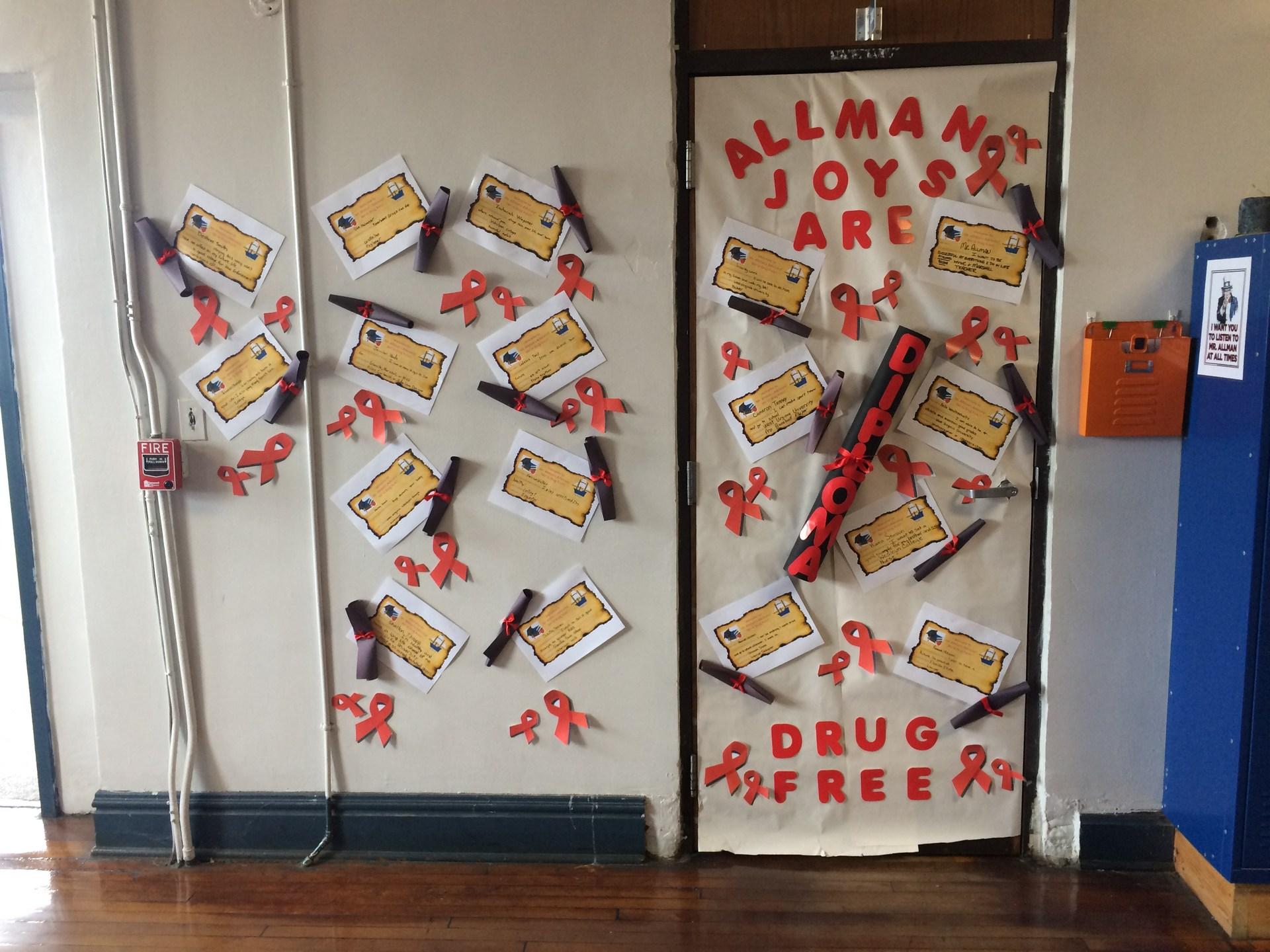 Advisory Red Ribbon Week Door Decorating