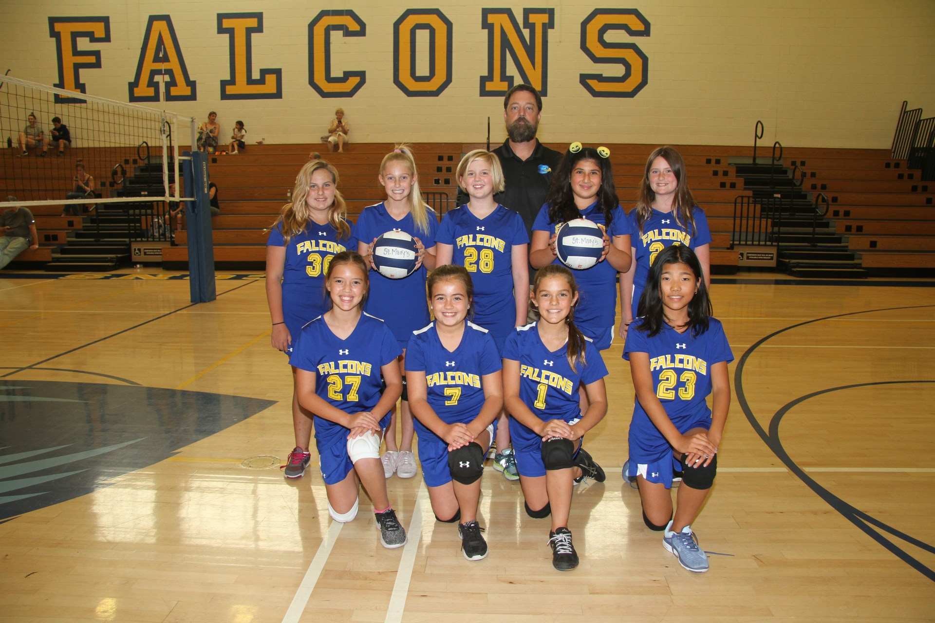 Team photo of Mountain B girls volleyball