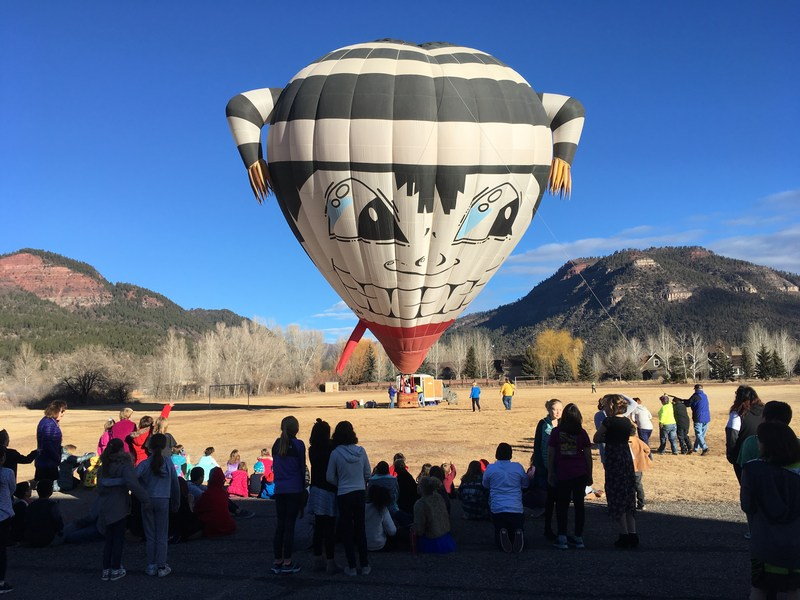 Hot  air balloon with children