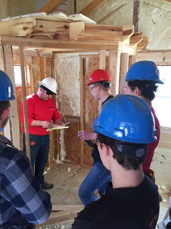 High School Construction Class in the News. Featured Photo