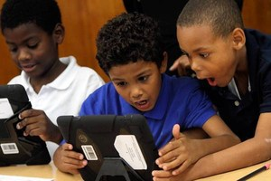 students with ipads.jpg