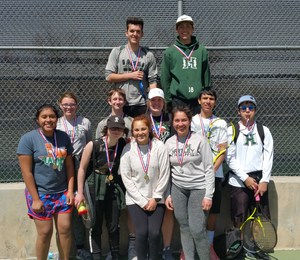 Hartley Tennis Team 2018.jpg