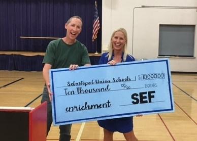SEF gives $10,000.00 Thumbnail Image