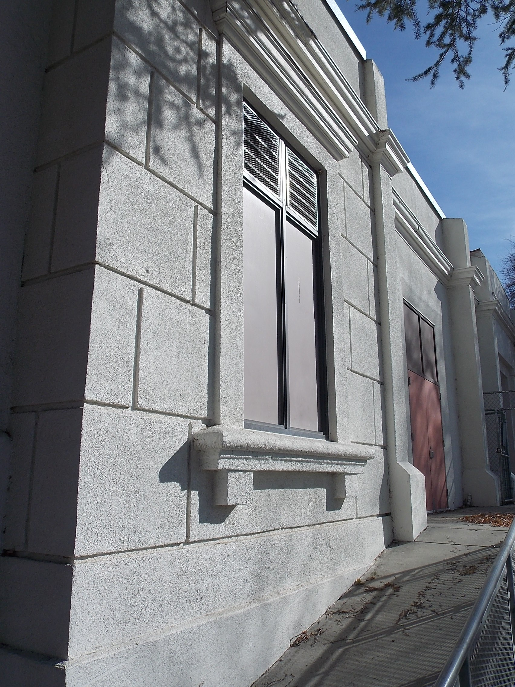 Hemet Elementary building