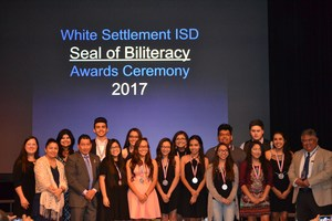 Fourteen Brewer High School Seniors Earn Seal of Biliteracy Award