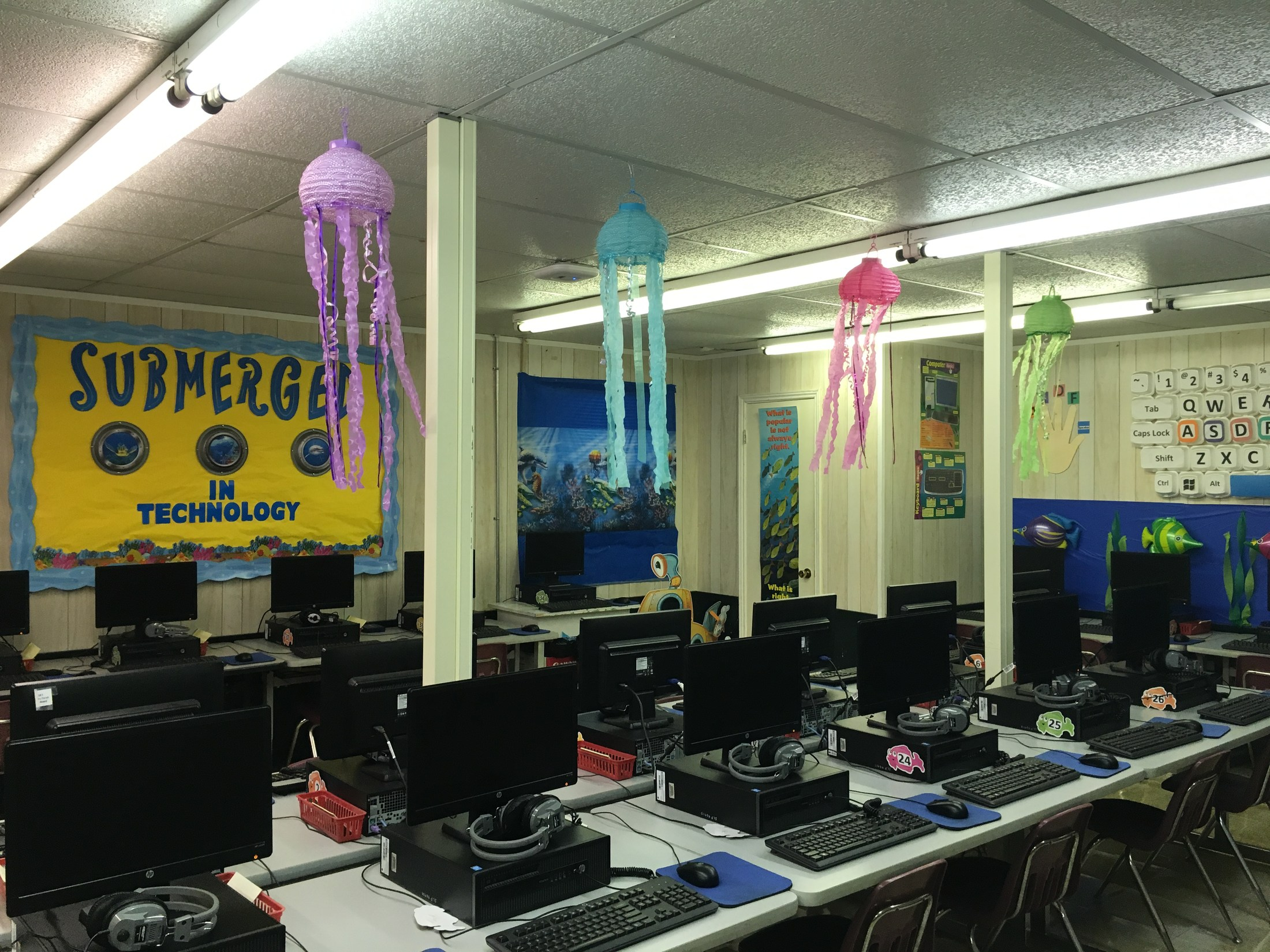Pic of decorations Instructional Lab