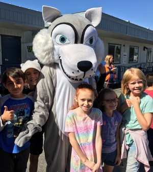 Wolf and kids.jpg