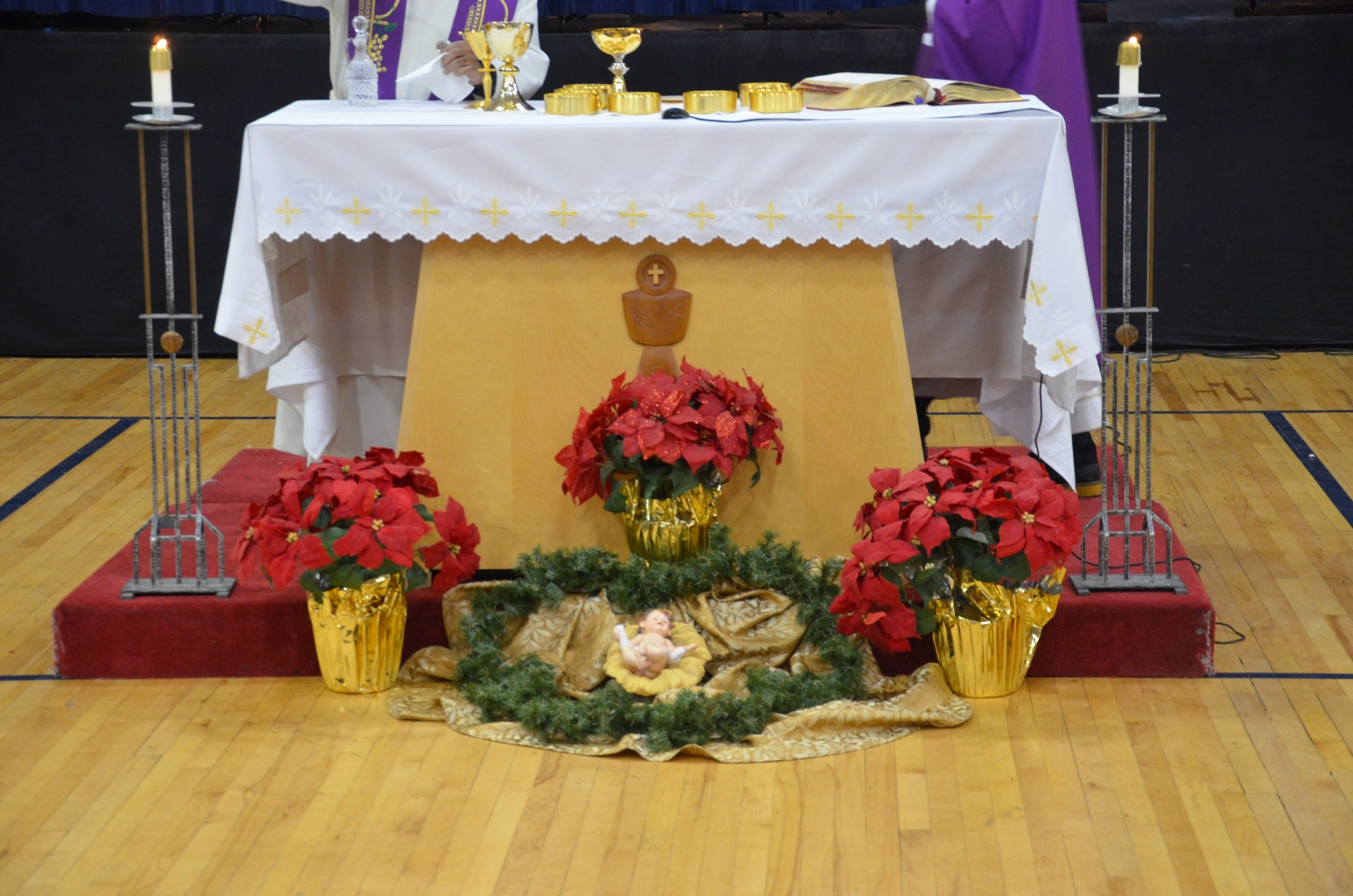 Altar with baby Jesus in manger