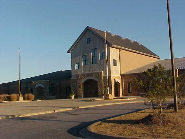 Photo of front of Anderson Mill Elementary School Building