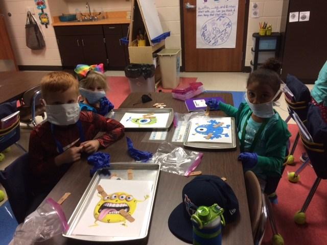 Kids as doctorsKids as doctors