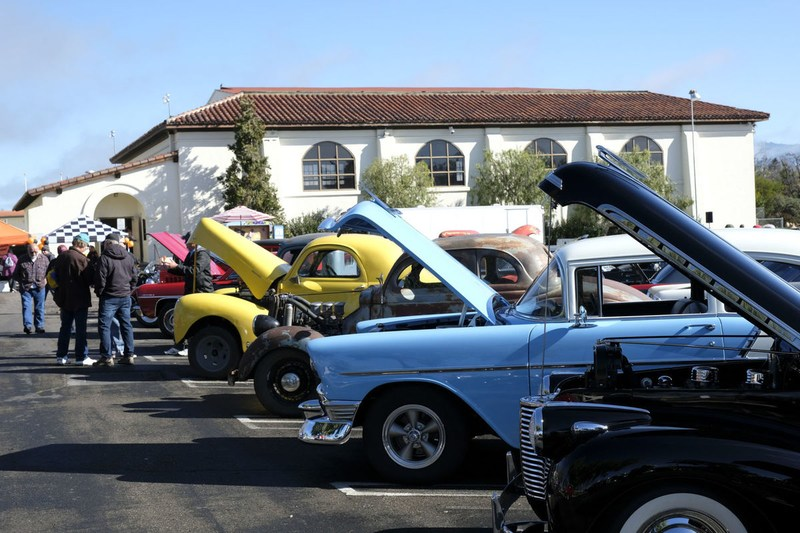 Pirate Garage Car Show Draws Crowds of Classic Car Lovers Featured Photo