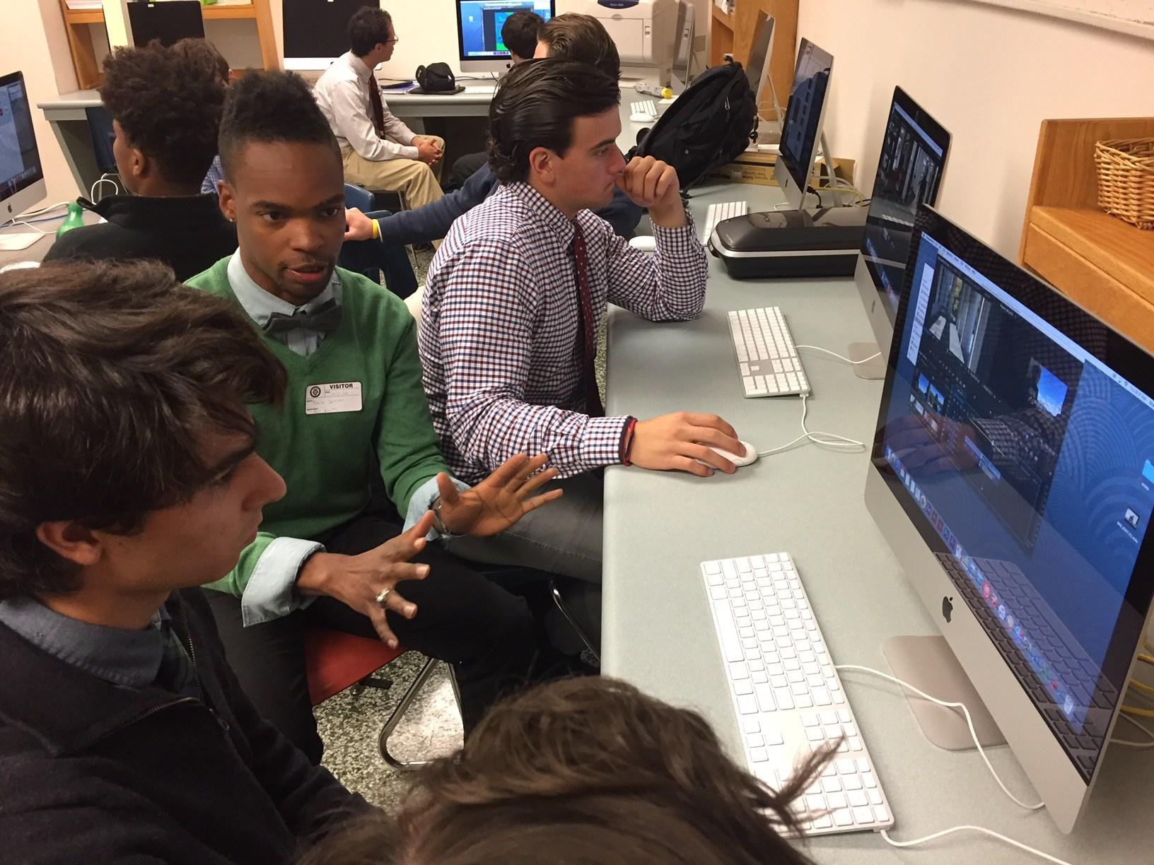 David Jackson '05 works with students