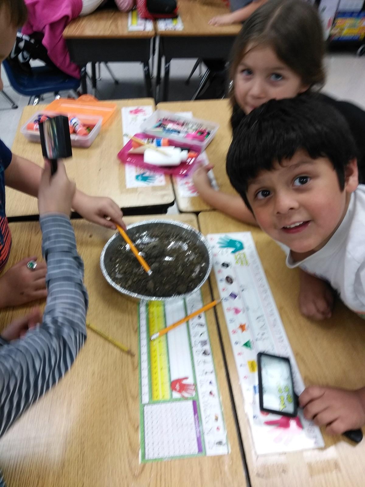Mr  Delacruz in Wonderful 1B! – David Delacruz – Dunaway Elementary