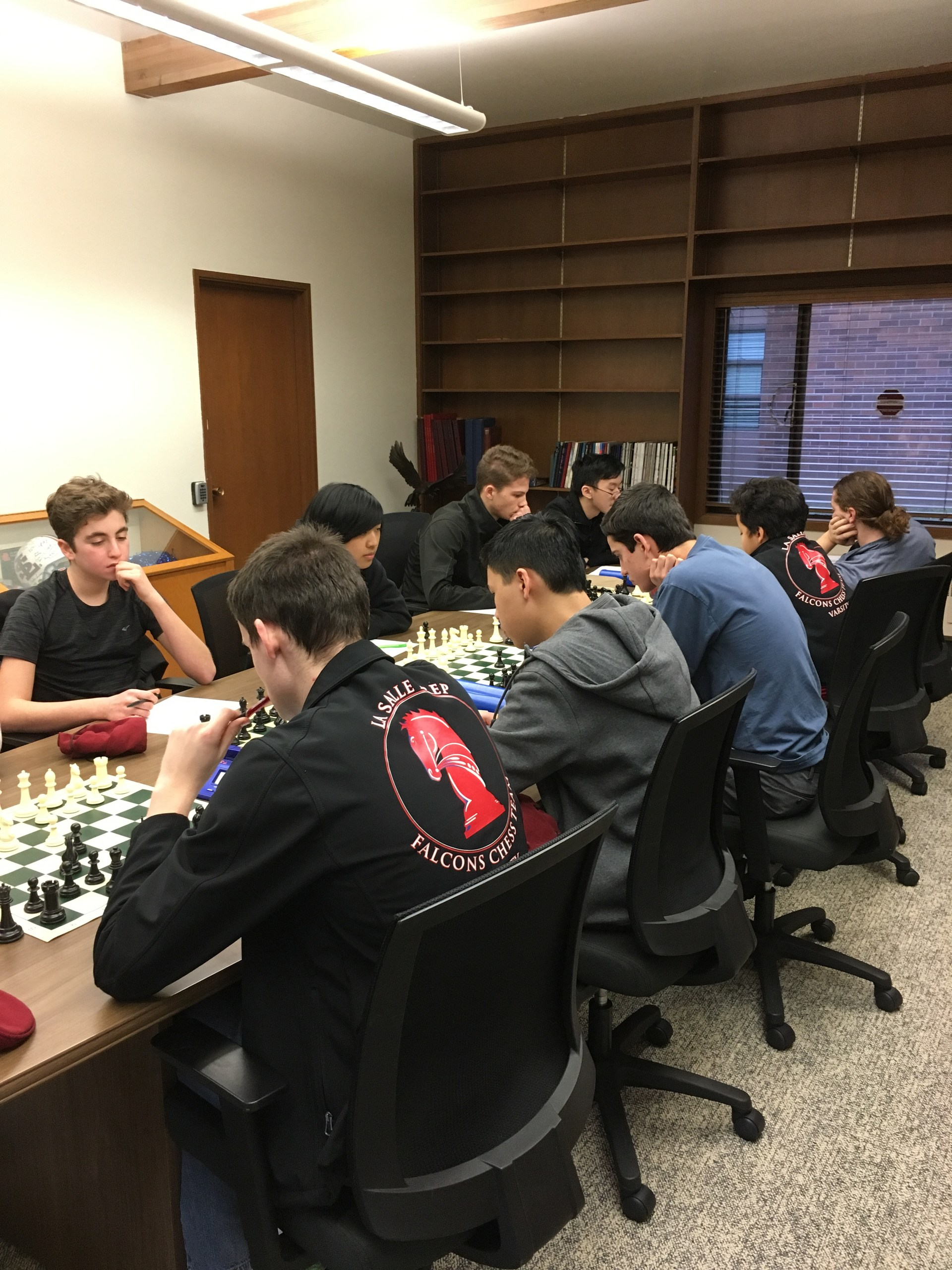 chess team competing