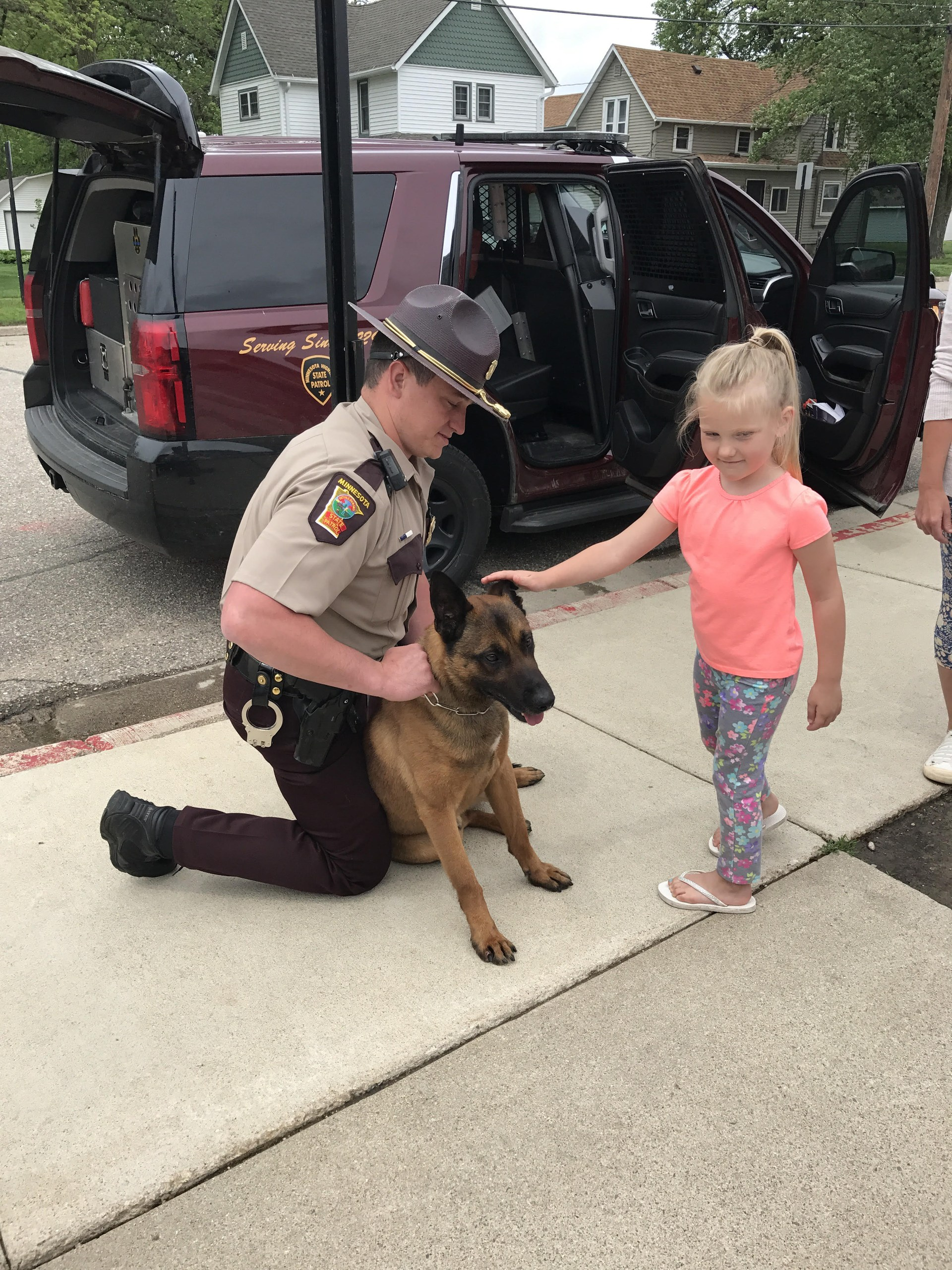 Kids learning about sheriff Patrick and his dog Jerry!