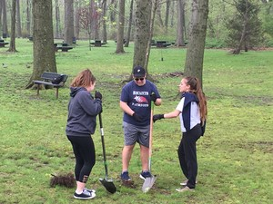 earth day with science club may 2017 (12).JPG