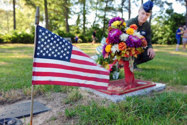No School Mon, May 28th in observance of Memorial Day Thumbnail Image