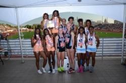 track relay team.jpg