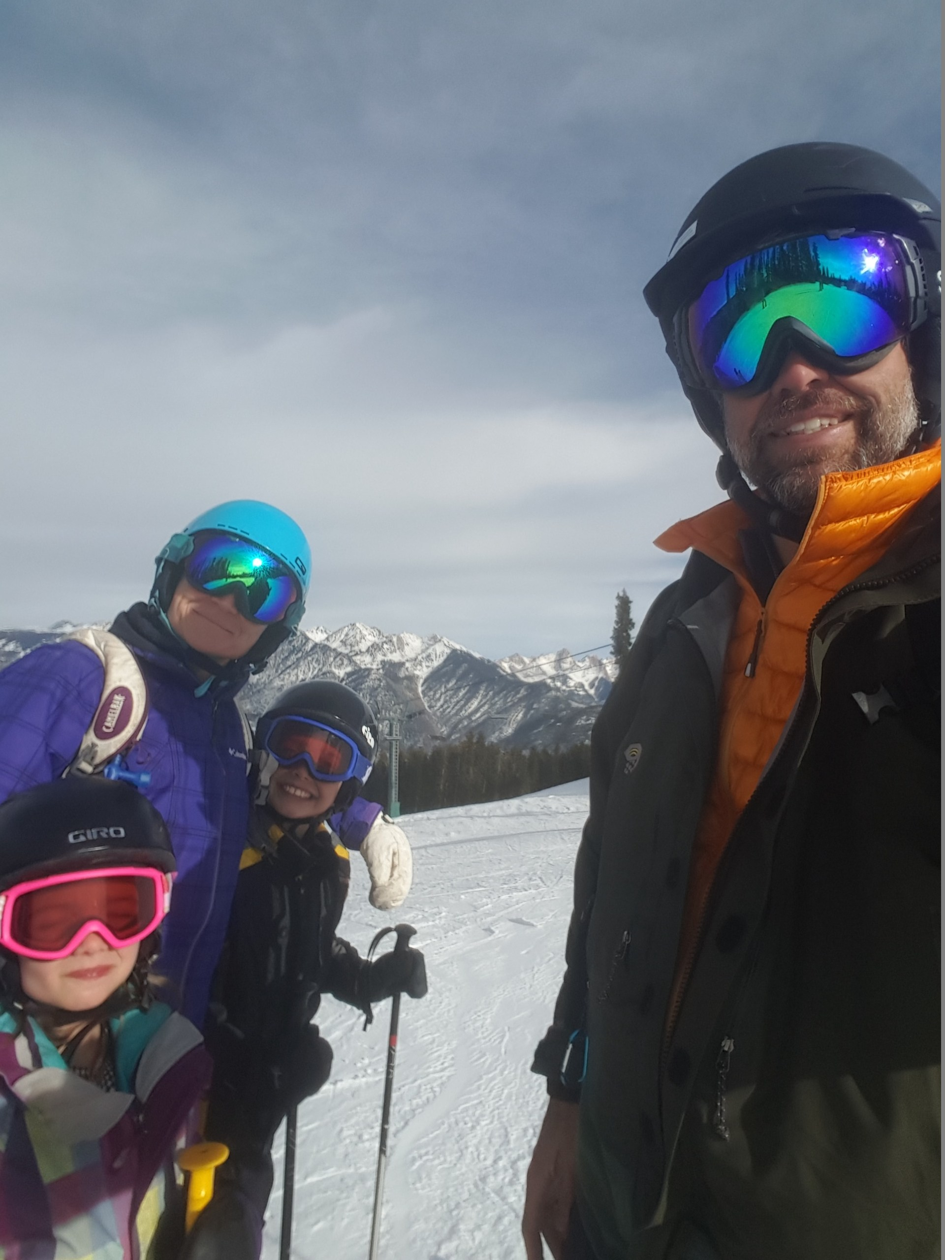 The Geygan's love skiing
