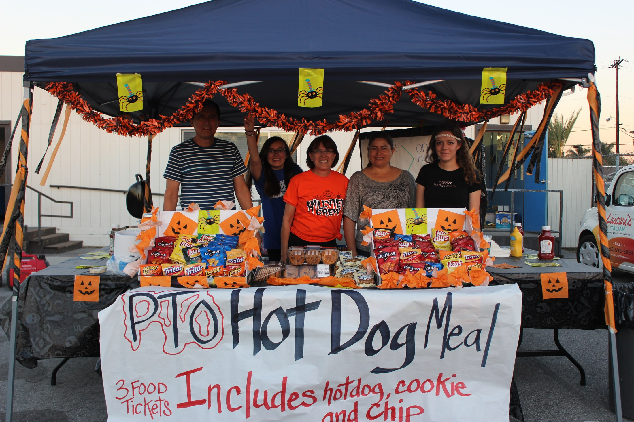 PTO selling hot dog meals at HMS Spooktacular