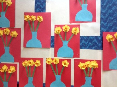 Student construction paper flower art.