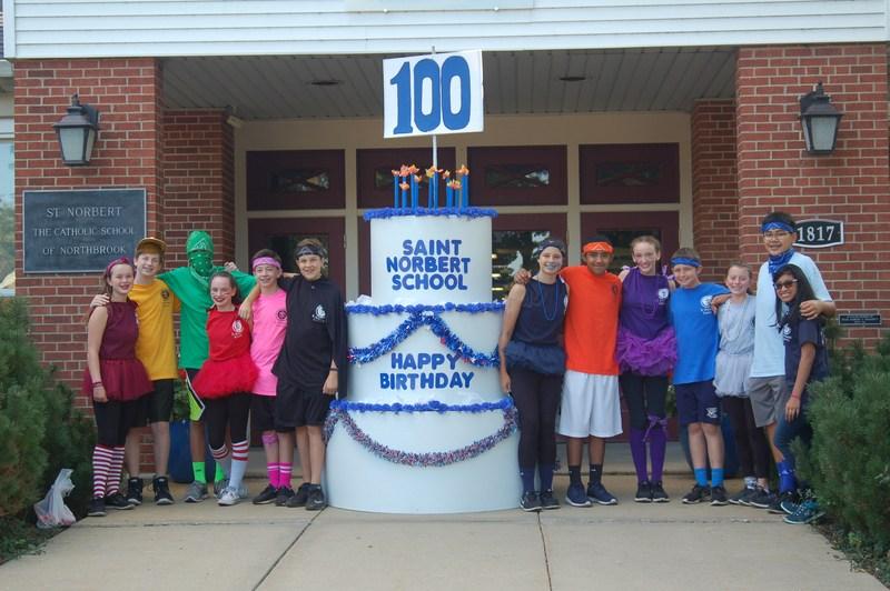 8th grade 100 year cake