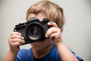 kid-taking-pictures.jpg