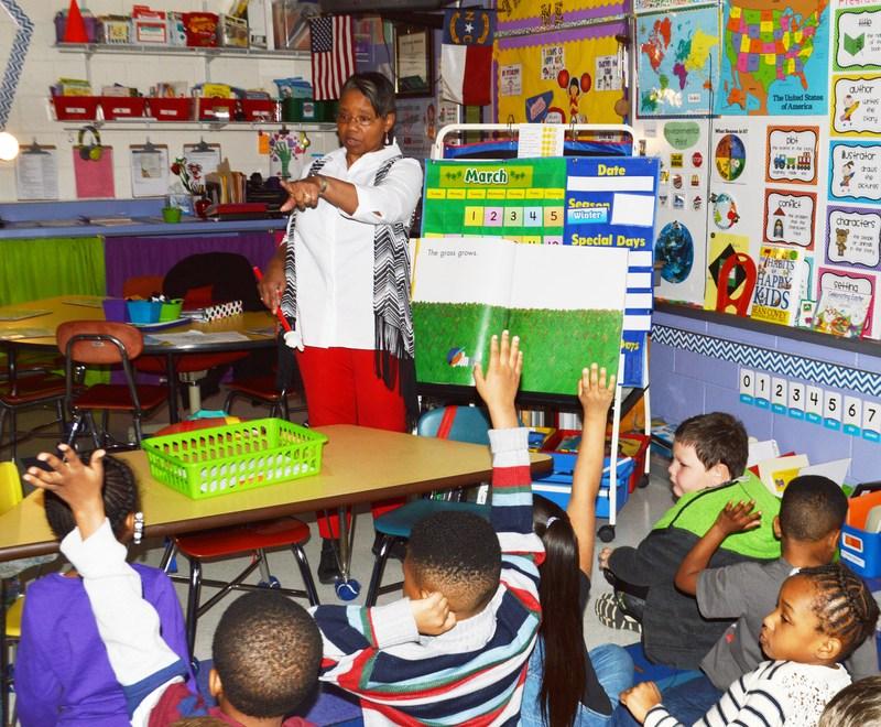 ECPS to begin Scholar Teachers Program Thumbnail Image