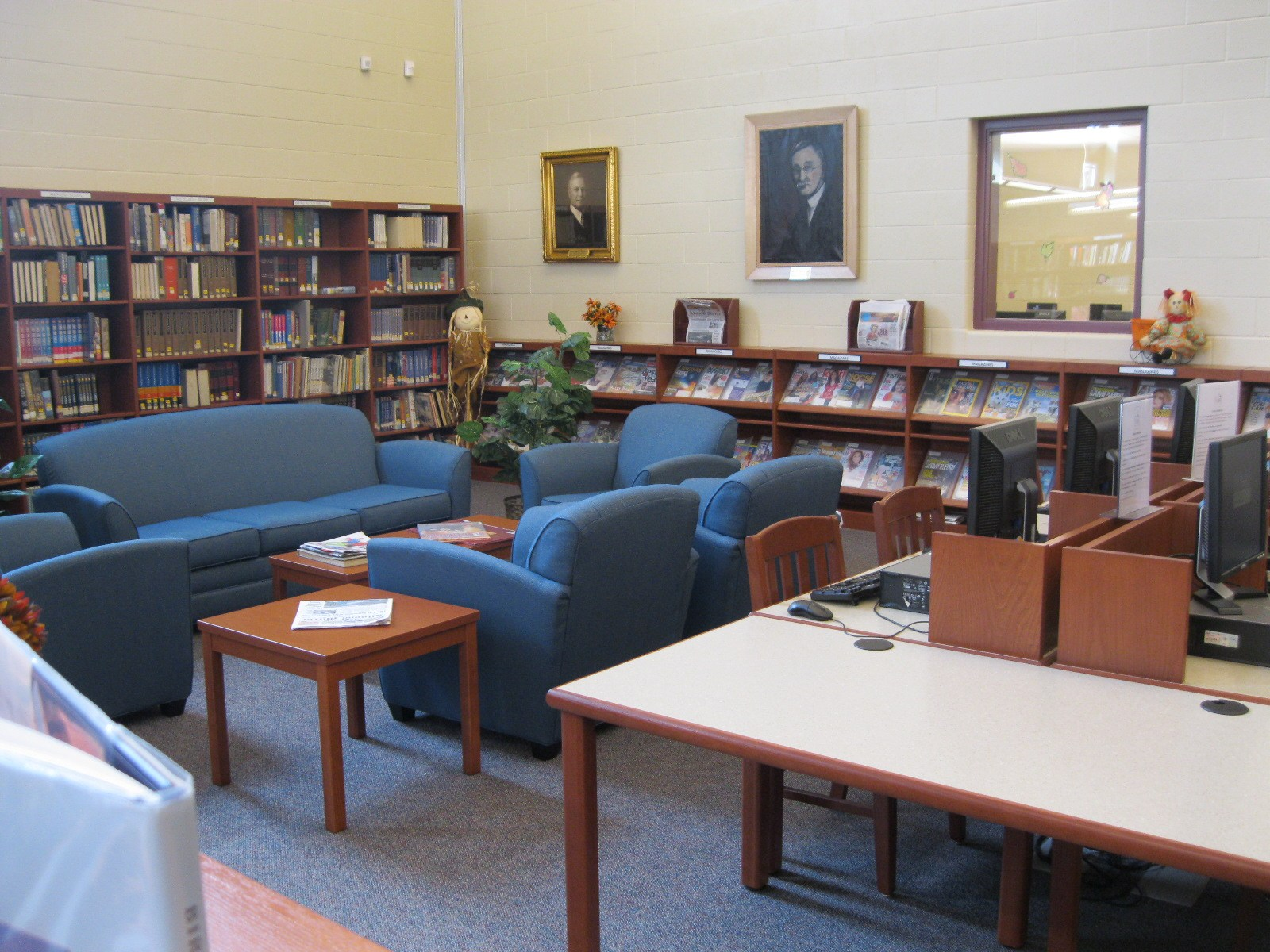 Altoona Area Junior High School library.