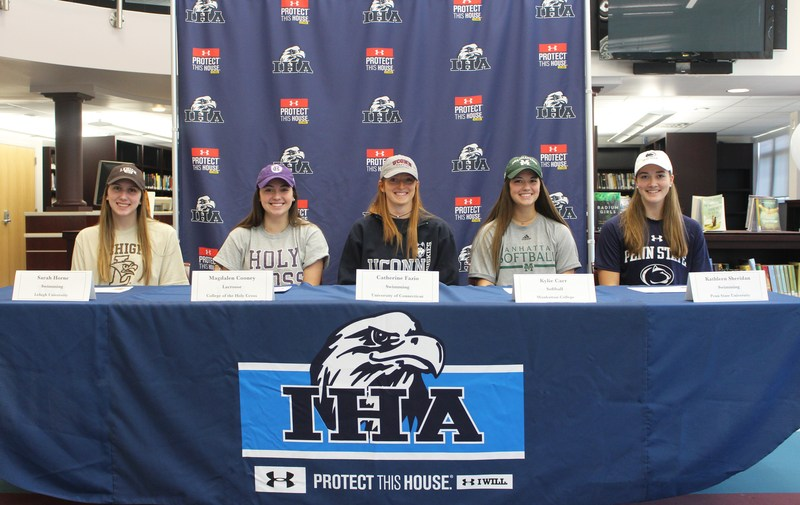 Five Seniors Sign to Colleges/Universities Thumbnail Image