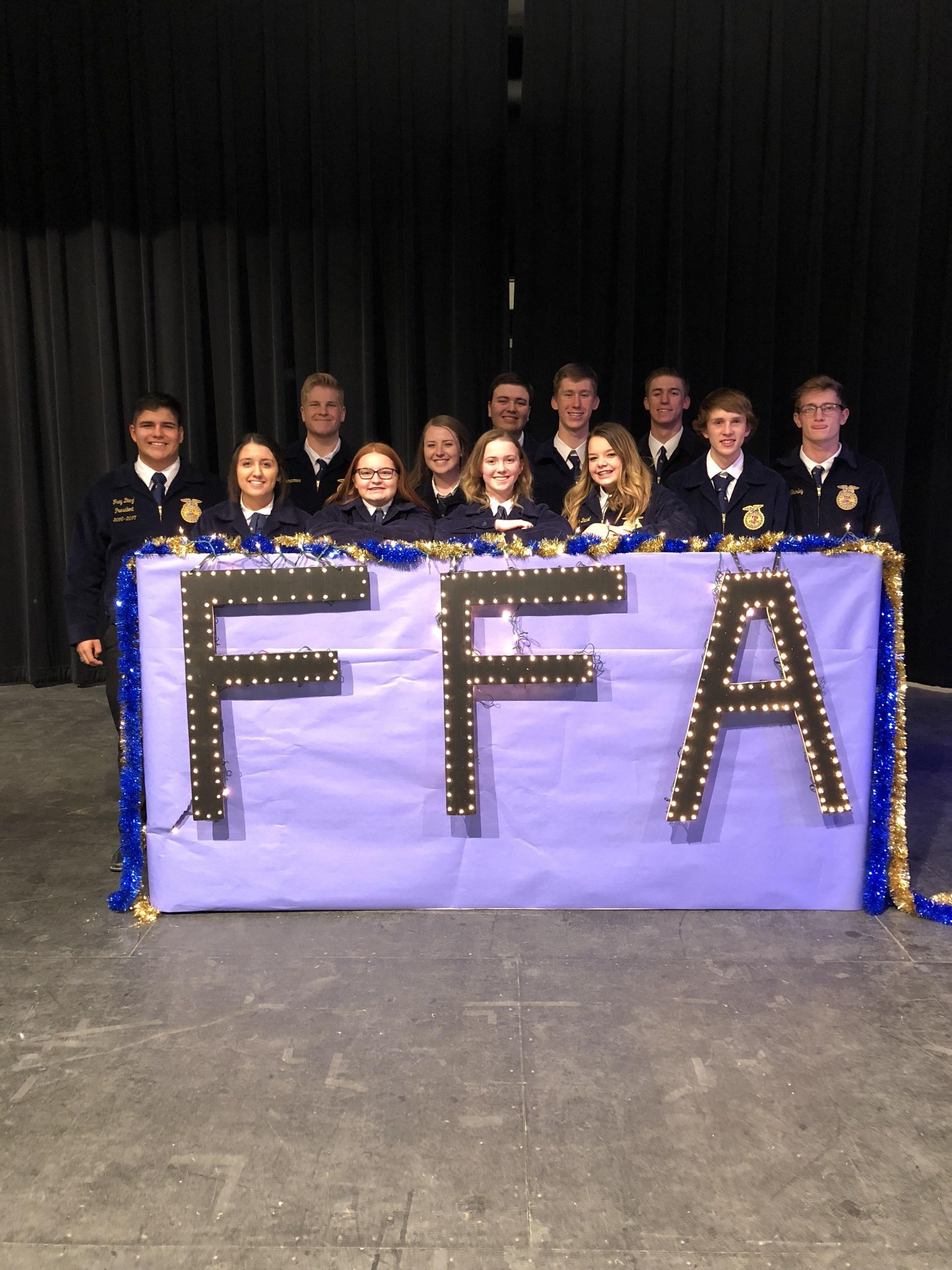 SHS FFA Group at banquet