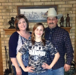 Kayla Callen with Parents.jpg