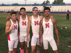 4x400 runners