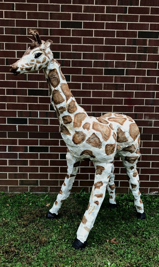 Sculpture of a giraffe