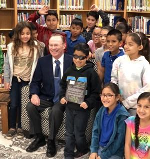 Mayor with third grade class
